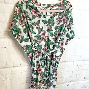 Tops - H & M FLOWER LEAVES BLOUSE SIZE XS